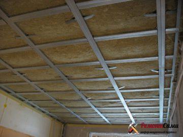 Утепление подвесного потолка минватой