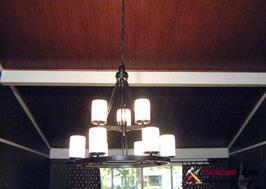Установка ламината под дерево на потолок