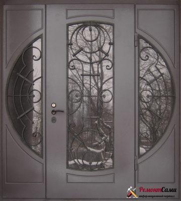 Входная дверь со стеклянными модулями