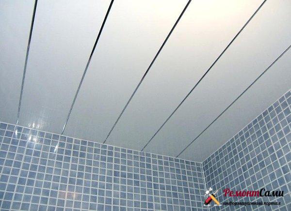 панели ПВХ для потолка ванной