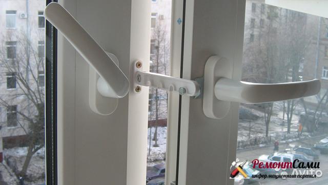 Фиксатор «гребенка» для установки просвета ПВХ-окна для проветривания