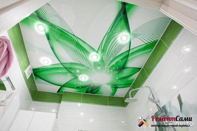 Натяжные потолки с фотопечатью отлино смотрятся в ванной