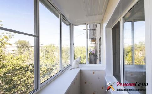 Первым этапом гидроизоляции балкона или лоджии является остекление