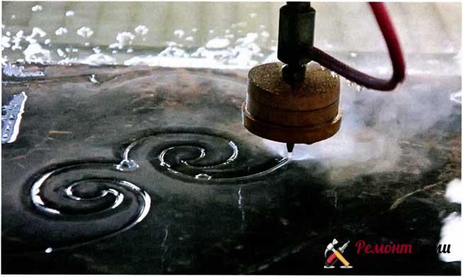 Все работы по гидроабразивной резке материалов производятся на высокотехнологичном оборудовании, что гарантирует их высокое качество.