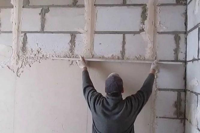 Линии маяков при штукатурке стен