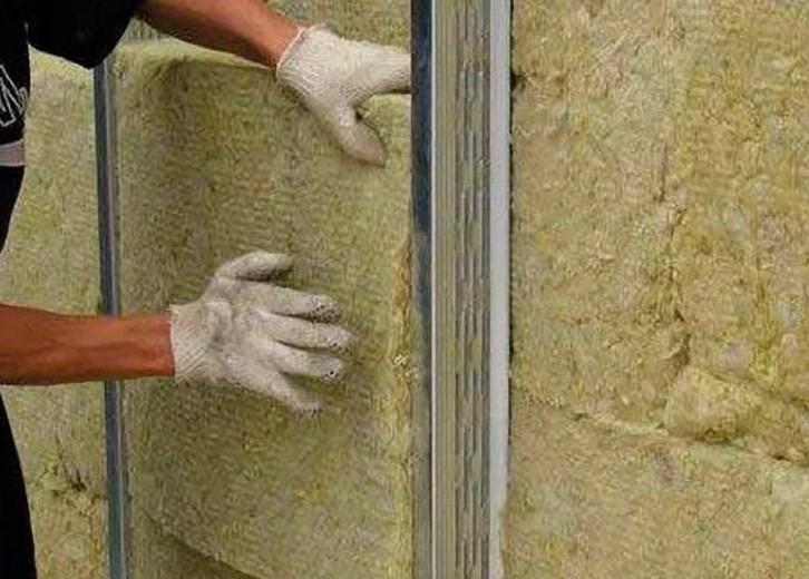 Монтаж каменной ваты