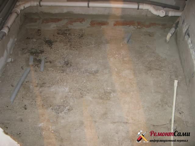 Подготовка поверхности пола в ванной
