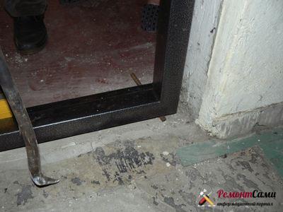 Использование клина во входную дверь