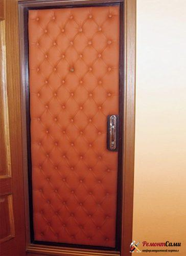 Утепление деревянной двери поролоном с последующей обивкой декоративным покрытием